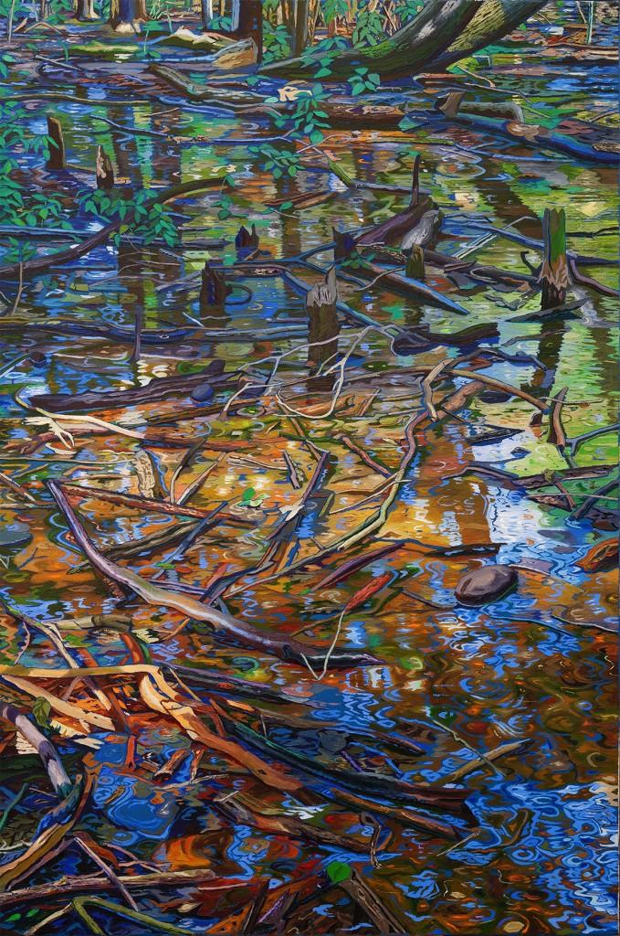 Waldboden unter dünner Wasserschicht